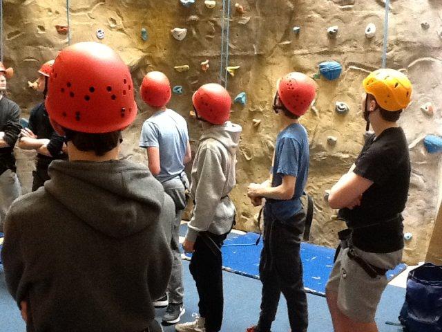 boys-climbing-d3-007